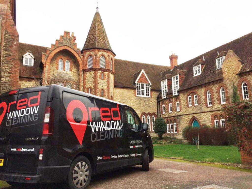 Red window cleaning milton keynes