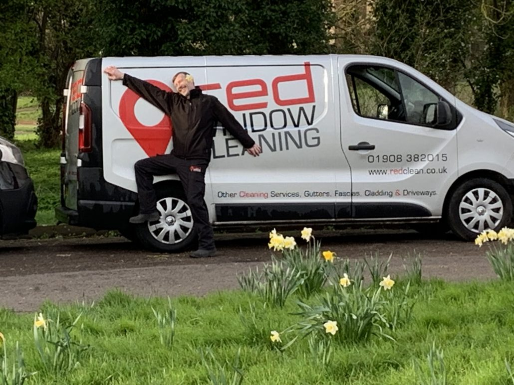 red window cleaning milton keynes